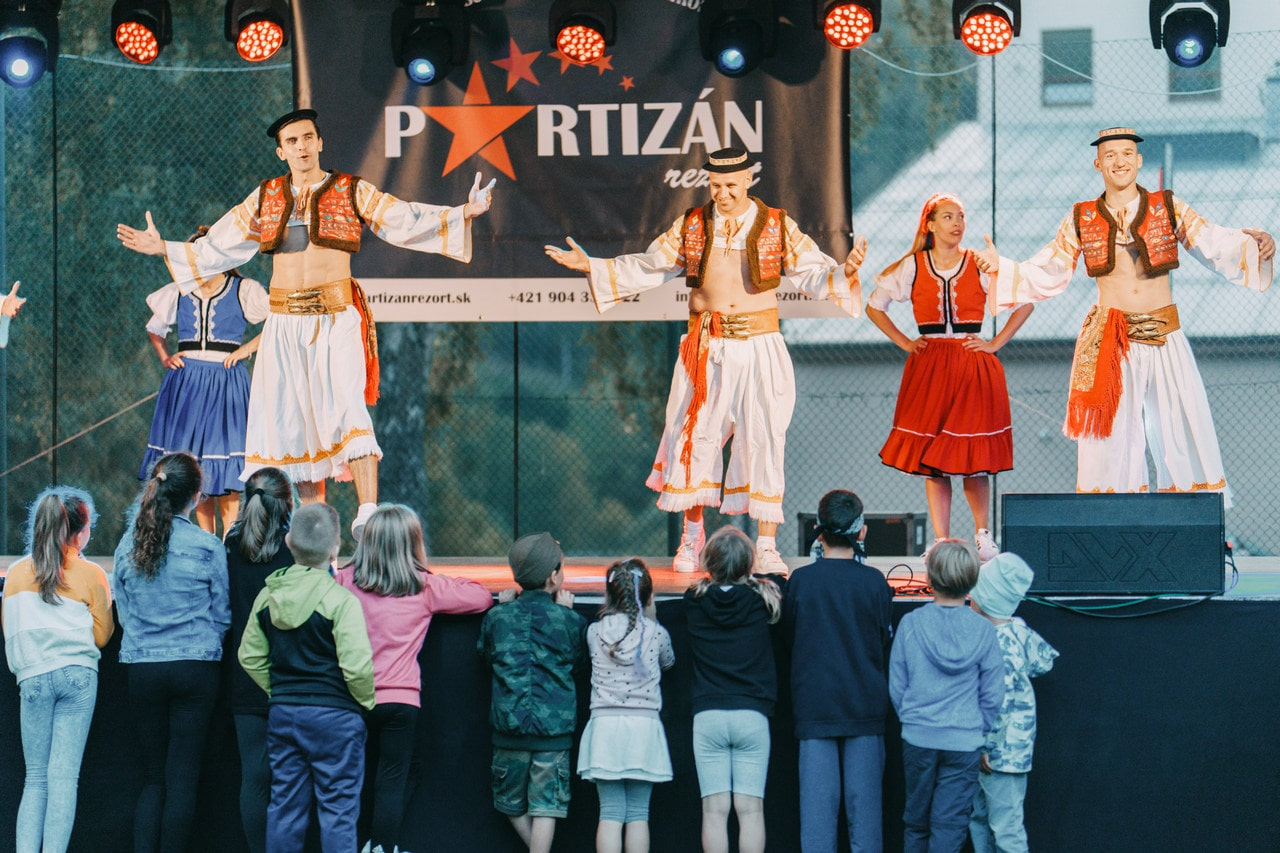 Koncerty a vystúpenia - Partizan Rezort